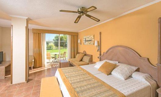 Hotel iberostar jardin del sol suites spa santa ponsa for Aparthotel trh jardin del mar