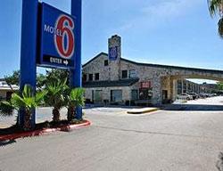 Photo – Motel 6 San Antonio Downtown - Riverwalk